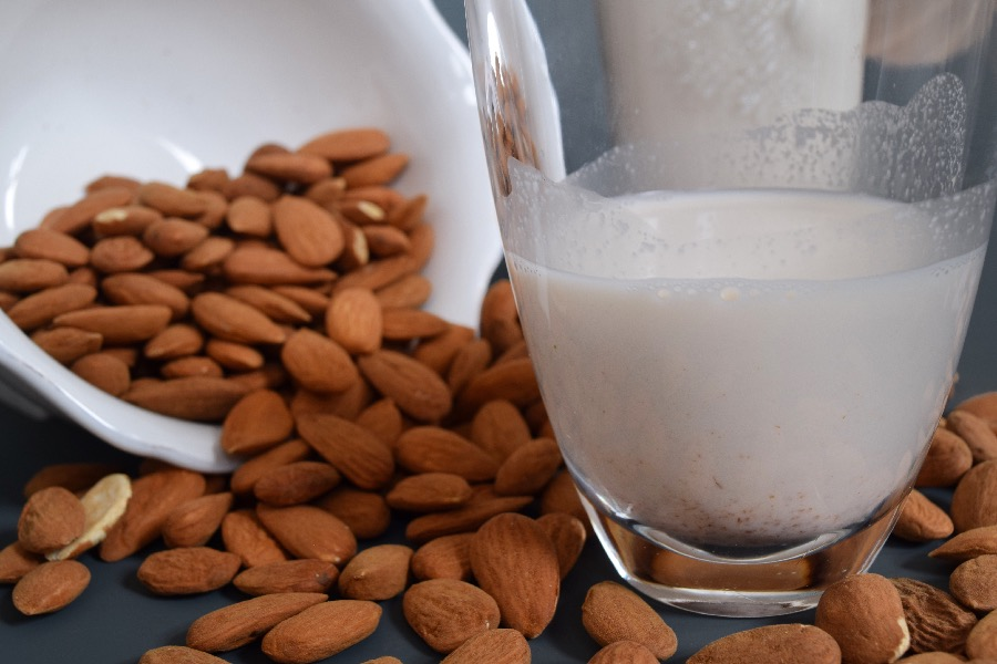 mandlove mleko